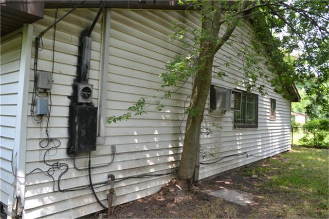 quelle distance d une maison doit on planter un arbre jardinier paresseux. Black Bedroom Furniture Sets. Home Design Ideas