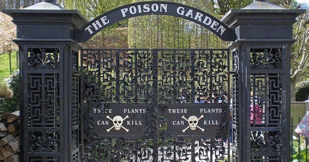 Porte d'entrée lugubre du Poison Garden, Alnwick